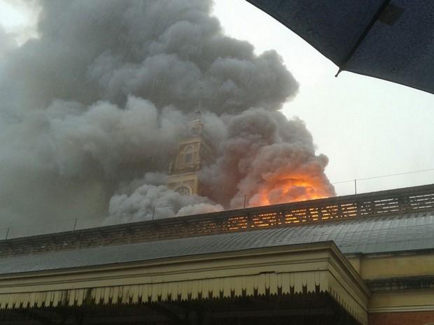 incendio-fogo-museu-lingua-portuguesa